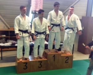 podium des -66 kg